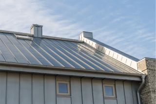 metal-roof-1365x909